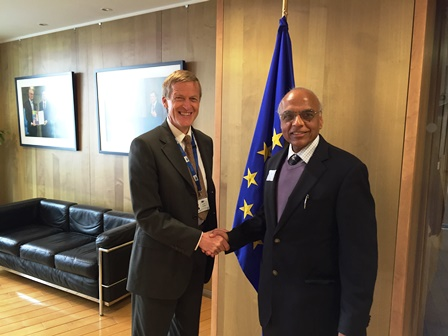 Dr Zoran Stančič DDG European Union Directorate General for Communications Networks Content  Technology with Dr Anand Asthana DG ICPE at the boardroom of the European Commission